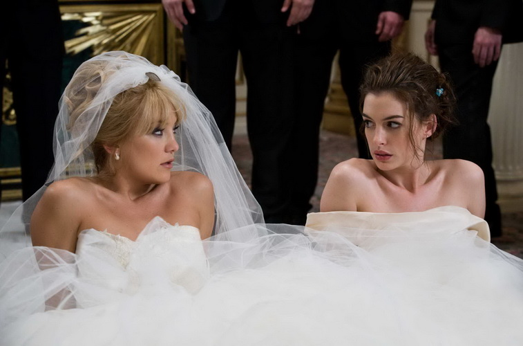 The Òbride warsÓ between Liv (Kate Hudson) and Emma (Anne Hathaway) come to a memorable conclusion at LivÕs wedding. PHOTOGRAPHS TO BE USED SOLELY FOR ADVERTISING, PROMOTION, PUBLICITY OR REVIEWS OF THIS SPECIFIC MOTION PICTURE AND TO REMAIN THE PROPERTY OF THE STUDIO. NOT FOR SALE OR REDISTRIBUTION.