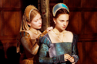 In Columbia Pictures'/Focus Features' The Other Boleyn Girl, sisters Mary (Scarlett Johansson, left) and Anne Boleyn (Natalie Portman, right) are rivals for the love of King Henry VIII.  The film is directed by Justin Chadwick from a screenplay by Peter Morgan, based on the novel by Philippa Gregory.  Alison Owen produces.  Executive producers are Scott Rudin and David M. Thompson.
