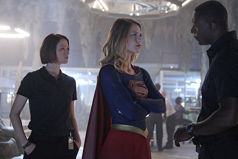 คาร่า และ อเล็กซ์ใน Supergirl